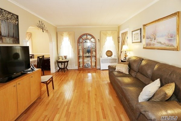 Residential, Colonial - Bellerose, NY (photo 4)