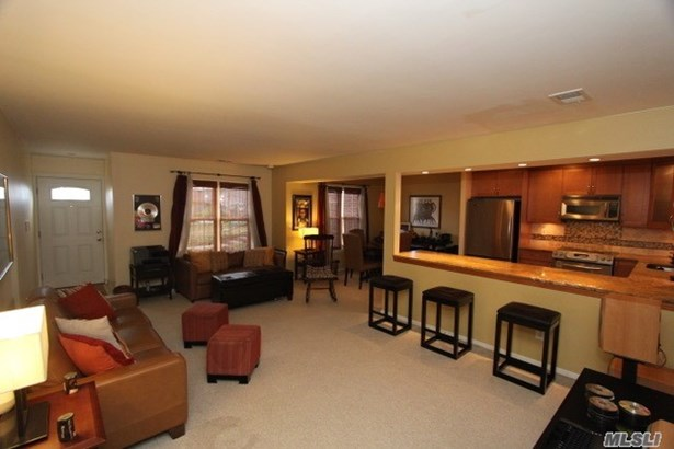 Co-Op, Residential - Wheatley Heights, NY (photo 2)