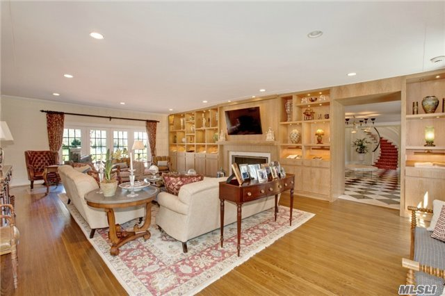 Rental Home, Colonial - Old Westbury, NY (photo 2)