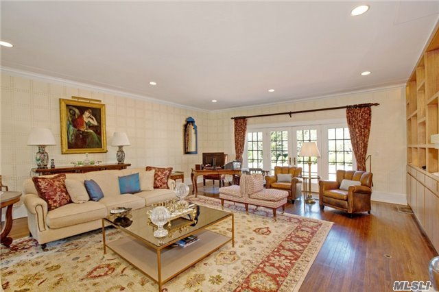 Rental Home, Colonial - Old Westbury, NY (photo 4)