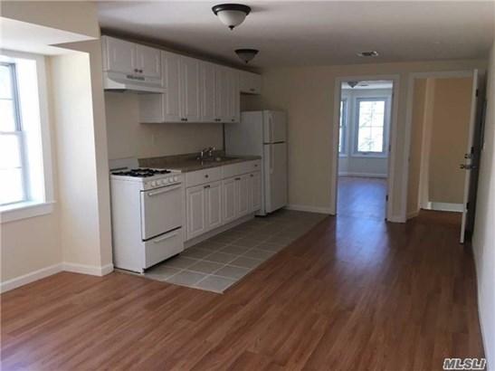 Rental Home, Apt In Bldg - Oyster Bay, NY (photo 3)