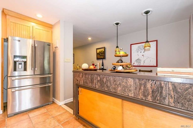 Townhouse, Residential - Forest Hills, NY (photo 2)