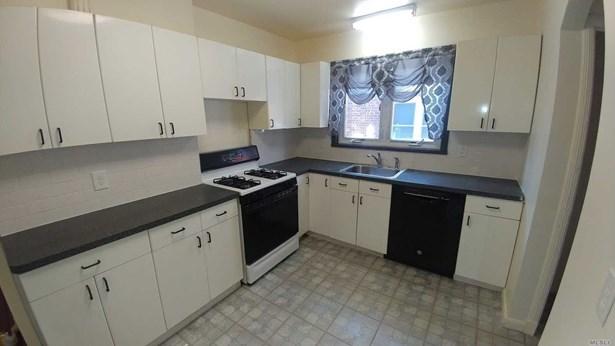 Residential, Exp Cape - Flushing, NY (photo 5)