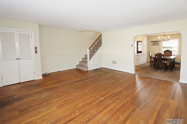 Residential, Colonial - Whitestone, NY (photo 5)
