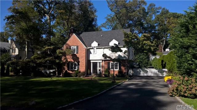 Rental Home, Colonial - Manhasset, NY (photo 1)