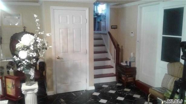 Rental Home, Split Ranch - Westbury, NY (photo 5)