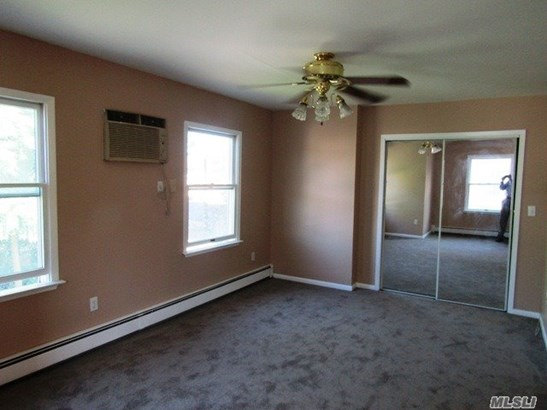 Rental Home, Colonial - Bellerose, NY (photo 5)