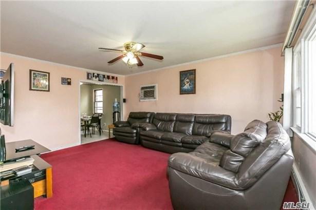 Residential, Exp Cape - Albertson, NY (photo 4)