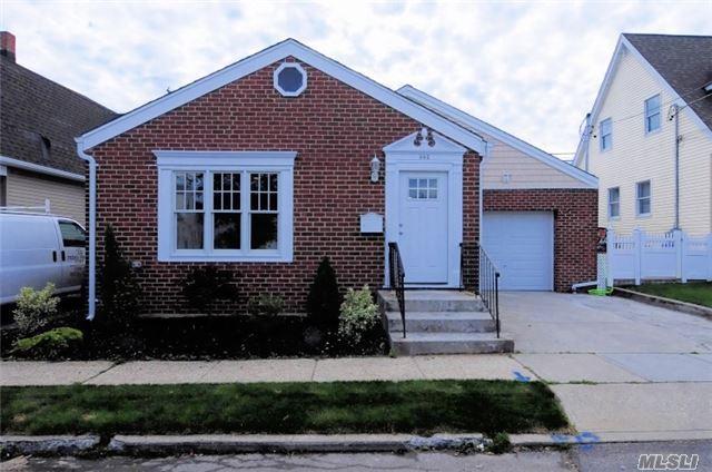 Residential, Cape - Mineola, NY (photo 1)