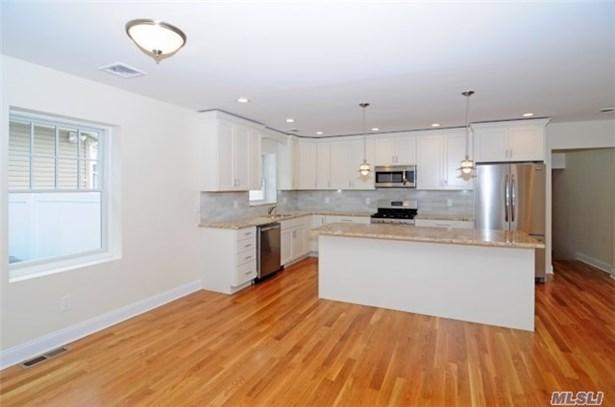Residential, Cape - Mineola, NY (photo 3)
