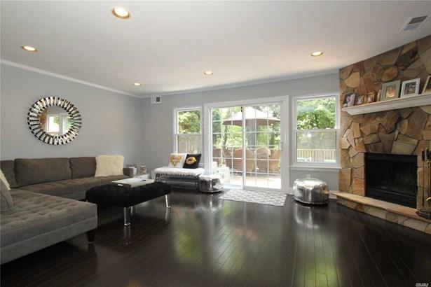 Residential, Condo - Woodbury, NY (photo 3)