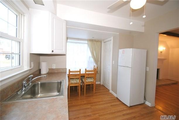 Rental Home, Cape - Port Washington, NY (photo 4)
