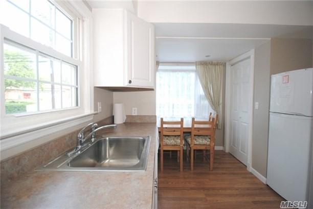 Rental Home, Cape - Port Washington, NY (photo 5)