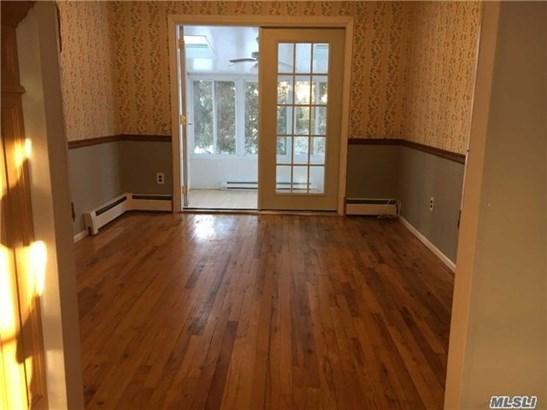 Rental Home, Colonial - Huntington Sta, NY (photo 3)