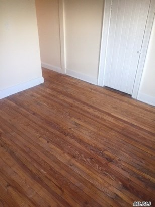 Rental Home, Apt In House - Floral Park, NY (photo 4)