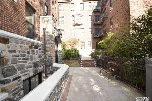 Co-Op, Residential - Beechhurst, NY (photo 3)