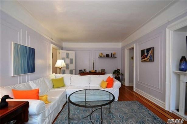 Co-Op, Residential - Beechhurst, NY (photo 5)