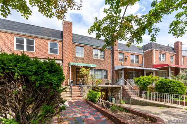 Townhouse, Residential - Jackson Heights, NY (photo 1)
