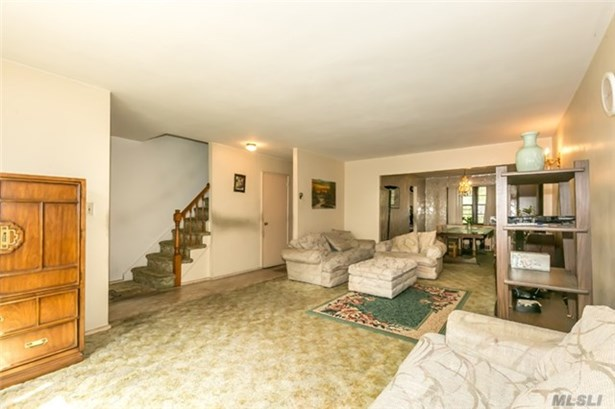 Townhouse, Residential - Jackson Heights, NY (photo 4)