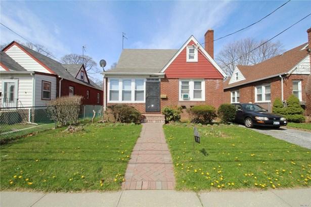 Residential, Cape - Freeport, NY (photo 1)