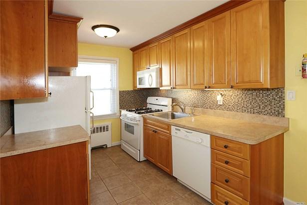 Co-Op, Residential - Bellerose, NY (photo 5)