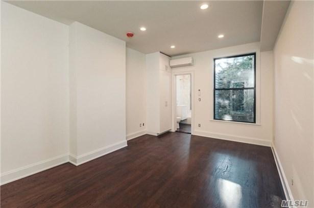 Rental Home, Apt In Bldg - Brooklyn, NY (photo 1)