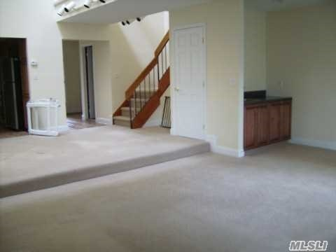 Rental Home, Condo - Jericho, NY (photo 3)