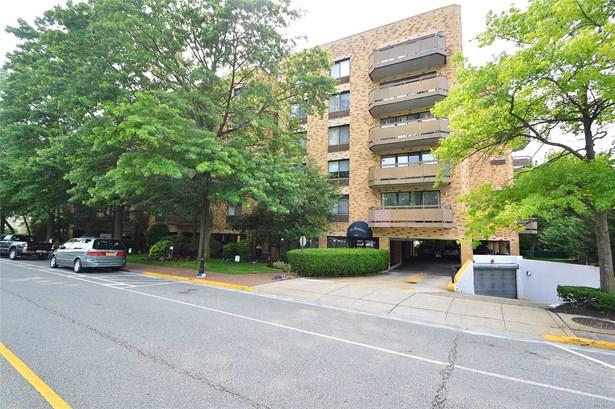 Residential, Condo - Great Neck, NY (photo 1)