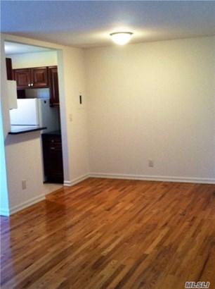 Rental Home, Studio - Port Washington, NY (photo 4)