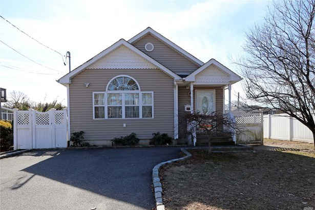 Residential, Ranch - Massapequa, NY (photo 1)