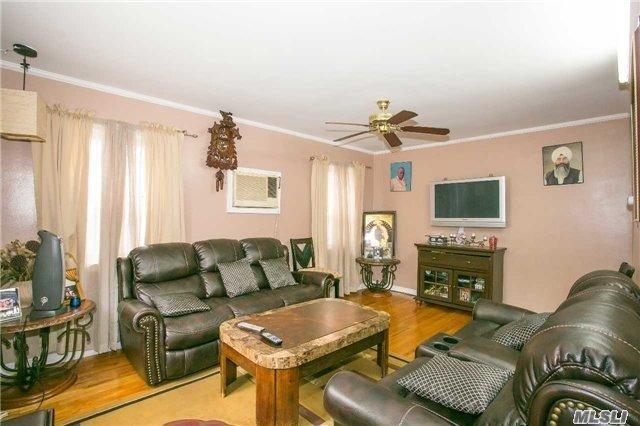 Residential, Cape - Floral Park, NY (photo 3)