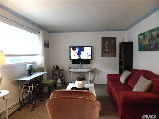Residential, Ranch - Shirley, NY (photo 2)