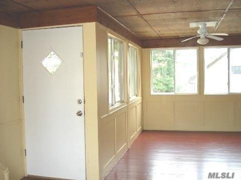 Rental Home, Colonial - Port Washington, NY (photo 3)