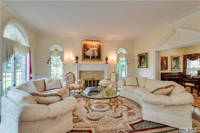 Residential, Colonial - Dix Hills, NY (photo 4)