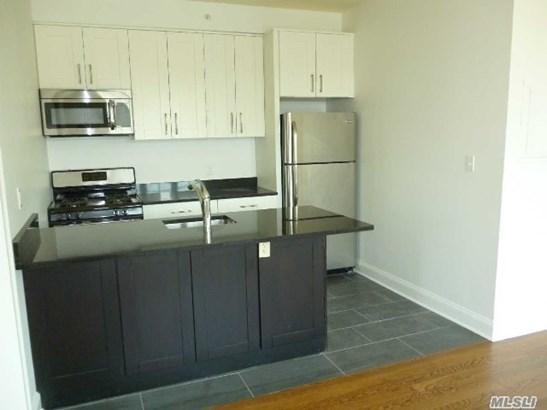 Rental Home, Apt In Bldg - Westbury, NY (photo 2)