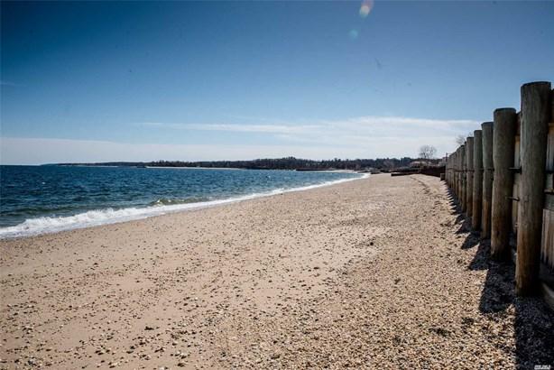 Residential, Split - Glen Cove, NY (photo 3)