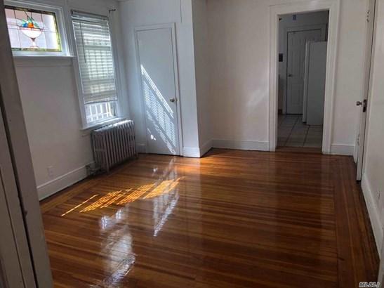 Rental Home, Apt In House - Elmhurst, NY (photo 3)