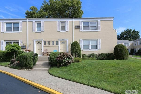 Co-Op, Residential - Bellerose, NY (photo 4)