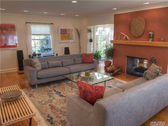 Rental Home, Colonial - Great Neck, NY (photo 4)