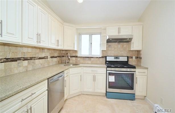 Rental Home, Apt In House - Port Washington, NY (photo 4)
