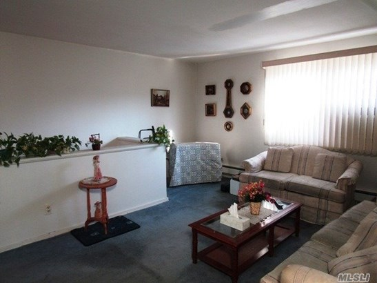 Co-Op, Residential - Bayside, NY (photo 2)