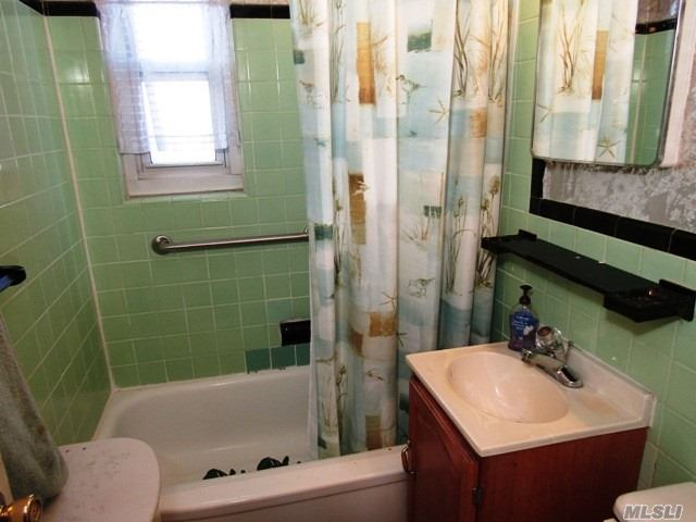 Co-Op, Residential - Bayside, NY (photo 4)