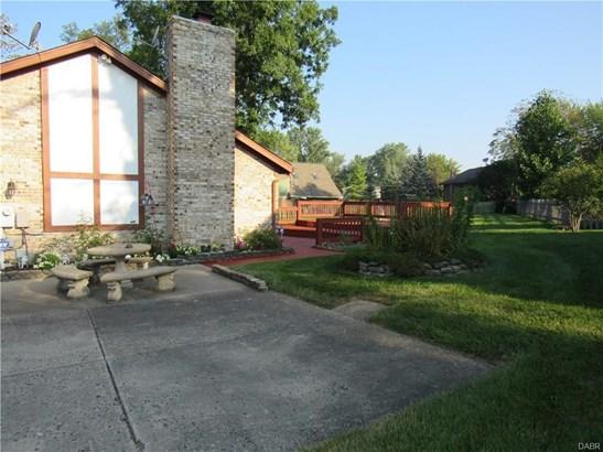 7515 Whispering Oaks Trail, Tipp City, OH - USA (photo 3)