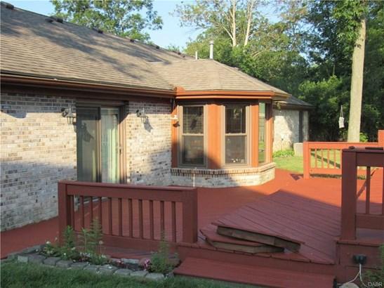 7515 Whispering Oaks Trail, Tipp City, OH - USA (photo 4)