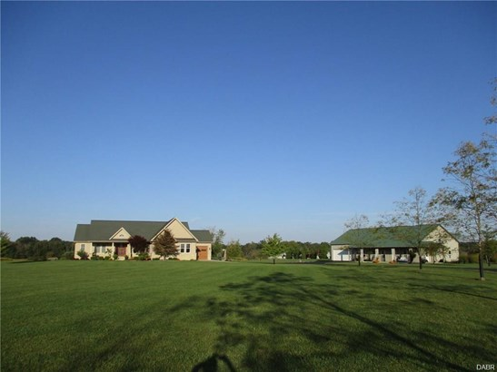 2250 S Greenlee Road, Troy, OH - USA (photo 1)