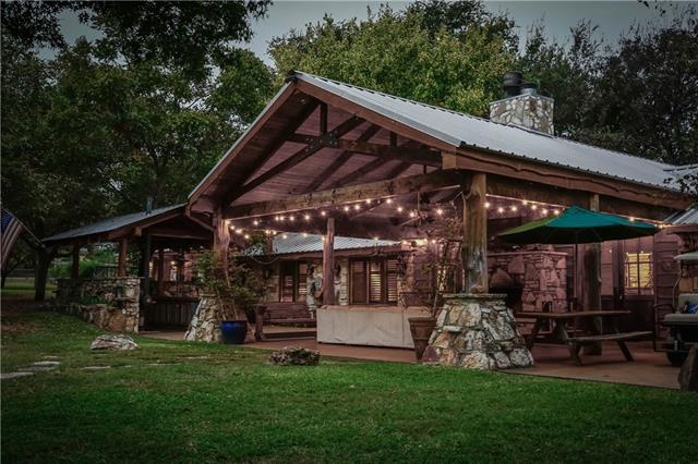 House - Cottonwood Shores, TX
