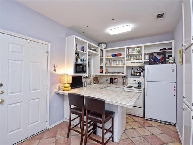 Condo, Middle Unit,Single level Floor Plan - Austin, TX (photo 1)