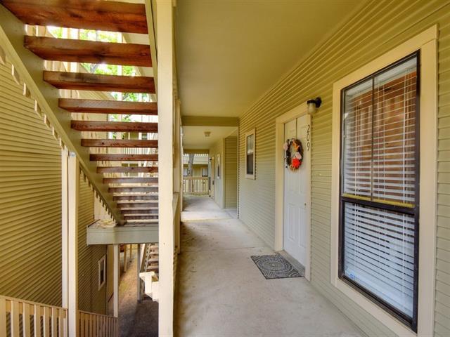 Condo, Middle Unit,Single level Floor Plan - Austin, TX (photo 4)