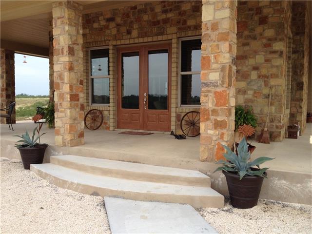 House - Lockhart, TX (photo 4)