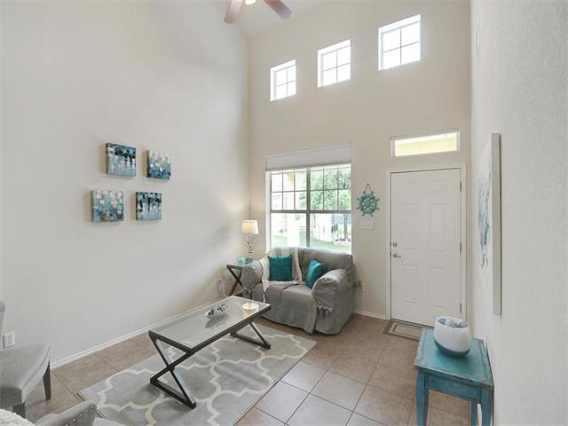 Condo, 1st Floor Entry,End Unit - Lago Vista, TX (photo 4)